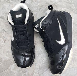 Nike Team Hustle Basketball Sneakers
